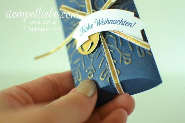 pillow box geschmückte Stiefel marineblau gold 1